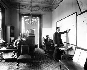 presidents-house-07 War room from httpwww.whitehousehistory.orgphotospresident-william-mckinleys-war-room